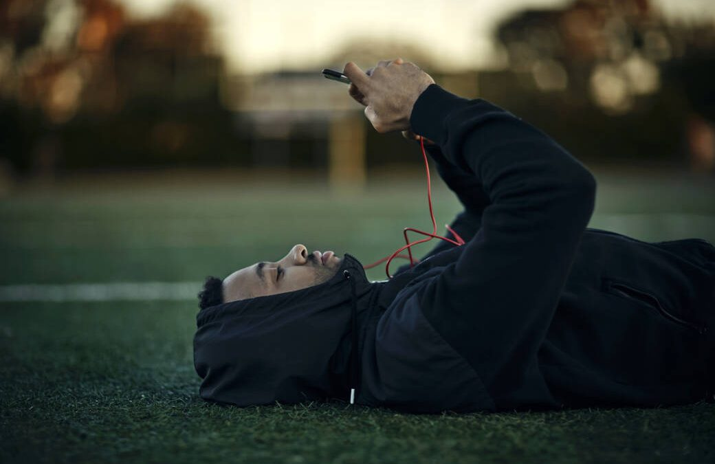 How important is the rest of the day for increasing performance?Fitness addicts don't give a damn about him, our fitness professional, Prof. Dr. Stephan Geisler, explains its benefits – especially with regard to supercompensation.
